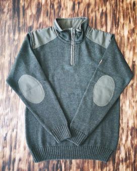 Pullover Stehkragen mit Besatz 48
