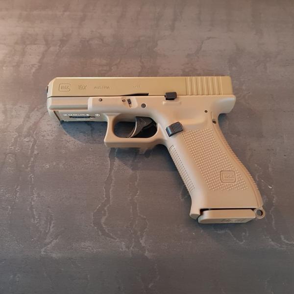 Glock 19X CO2 Blowback FDE