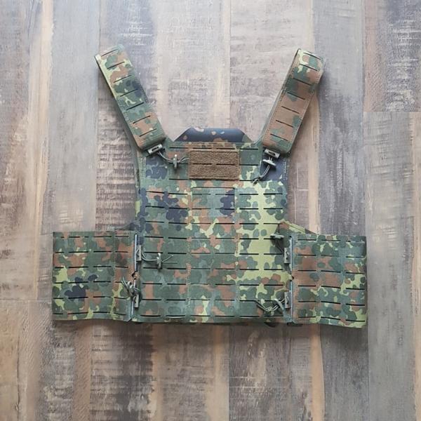 MD-Textil Plattenträger MGS 5 Farb Flecktarn