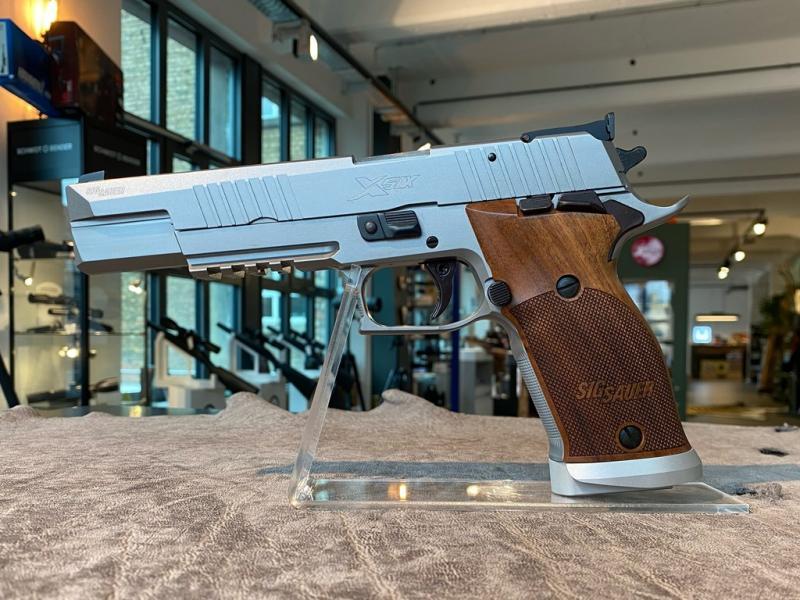P220 X-Six Classic 6'' 9x19