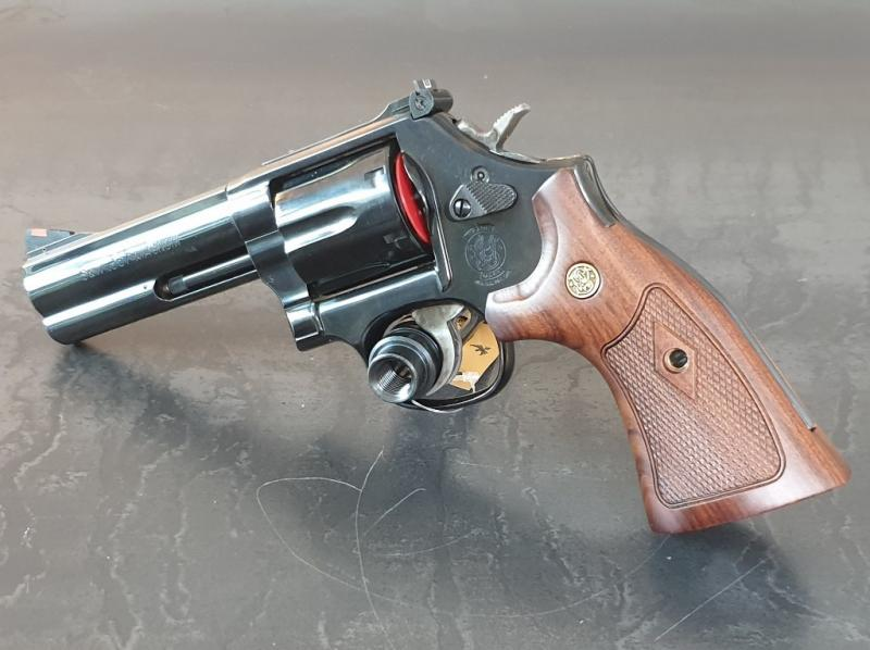 Smith & Wesson Mod. 586 - 4''